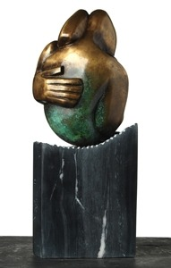 "Título: ""Hogar"". Año: 2015. Artista: Alejandro González. Técnica: Fundición en bronce. Tamaño: 40 x 20 x 20 cm. Contacto: https://www.facebook.com/luisalejandrogh"